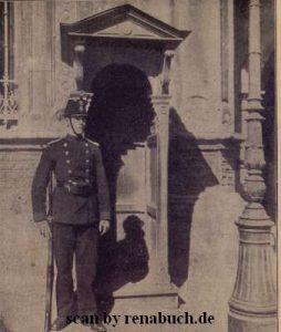 Luxemburgischer Soldat auf Posten