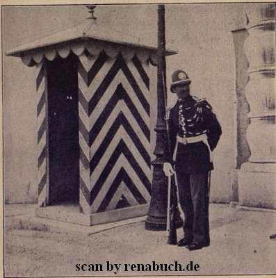 Posten vor dem Palast in Monaco